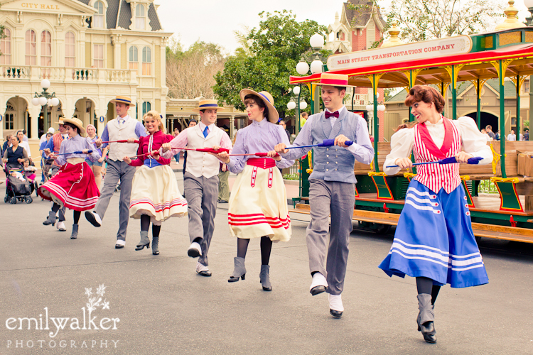 mainstreetUSA-disney-dancers-magickingdom-2014